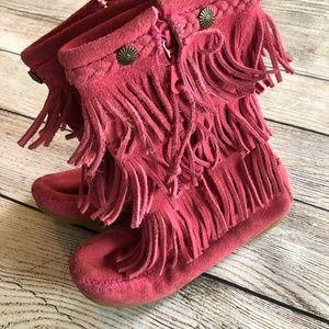 Minnetonka Girls 2 Pink Triple Fringed Boots Suede
